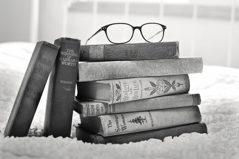 stack-of-books-1001655.jpg